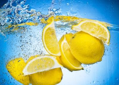 Top 10 Benefits of Eating Lemons