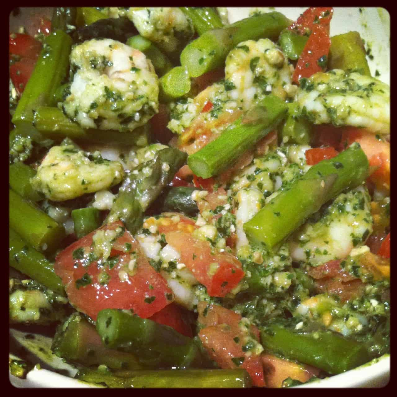 Shrimp with Pesto, Asparagus and Fresh Tomatoes
